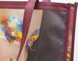 Taschen mit Allover Farbdruck inkl. matter oder glänzender Beschichtung.